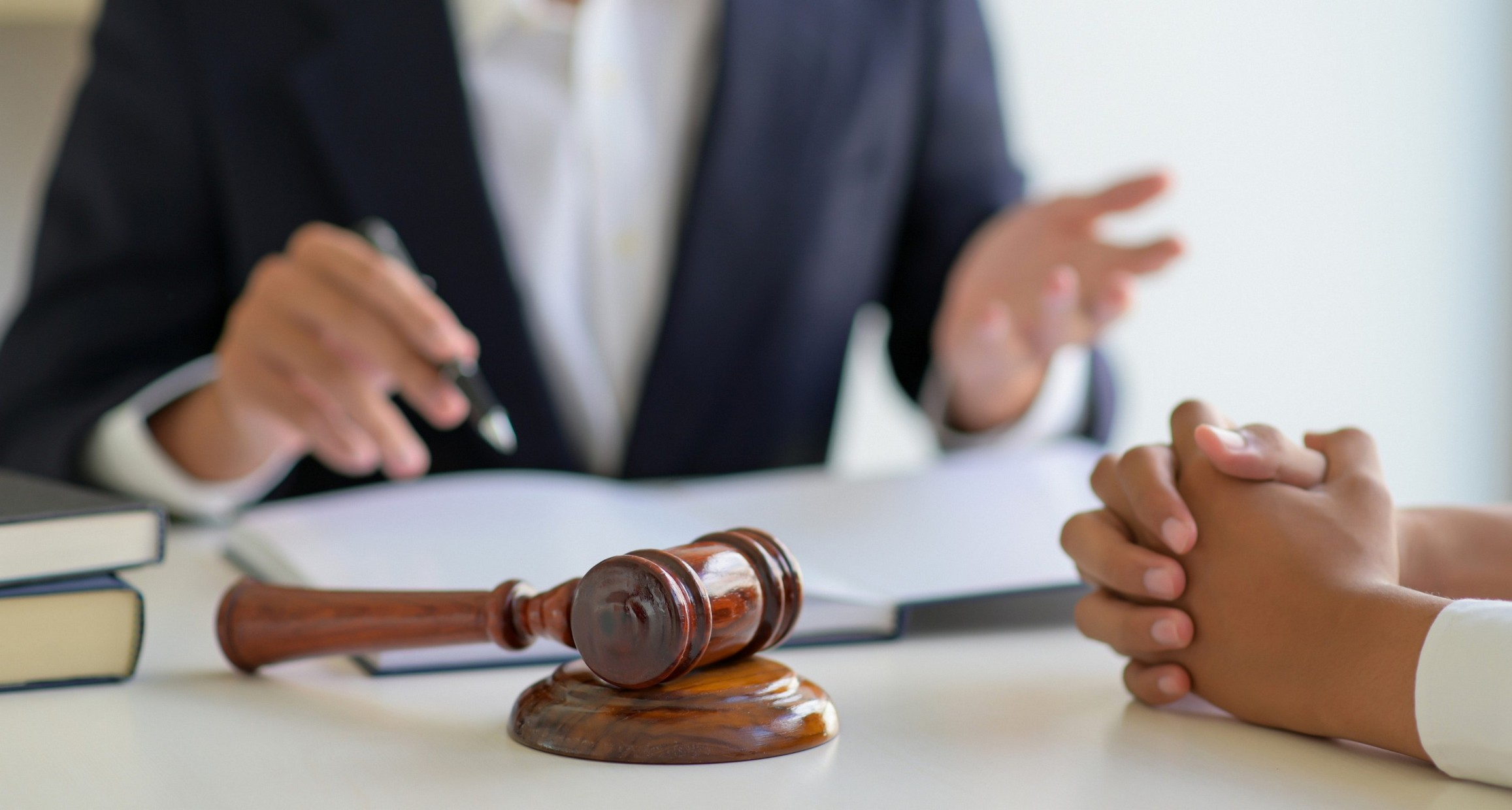 أنواع المحاكم واختصاصاتها